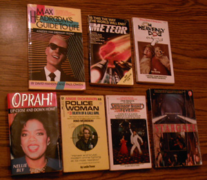 Lot of 40: TV and Movie Related Books :: Lot # 1 Pic 4
