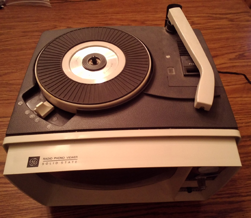 1964 GE Model AA610C Grey Radio Phono Viewer Pic 2