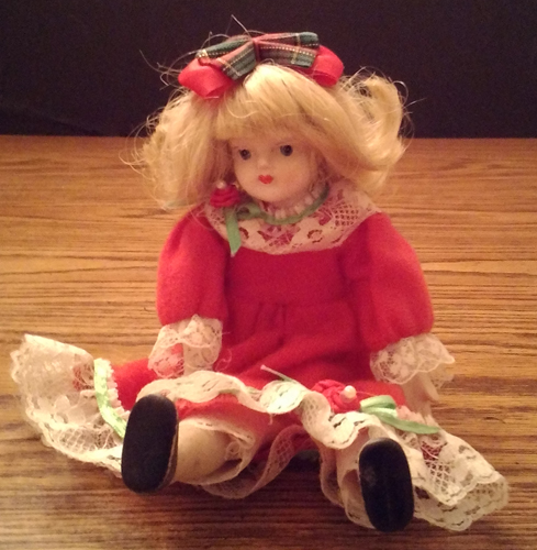 Vintage Ceramic or Porcelain Head Doll Pic 1