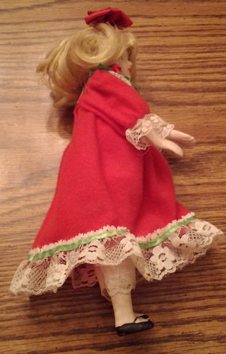 Vintage Ceramic or Porcelain Head Doll Pic 2