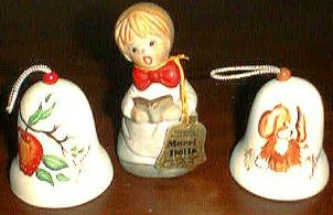 Lot of 8 Christmas Bells and 2 Trains Pic 1