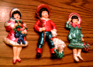 Lot of 6: Colorful Costumed Chalk Figures Pic 2