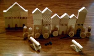 Russian (??) Wood Castle Set with Cannons Pic 2