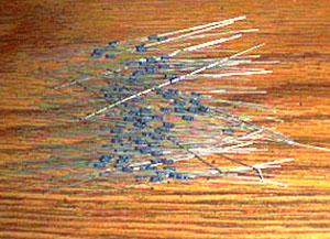 Lot of 100: Vishay Dale RNC50H2431FS Military Metal Film Resistors Pic 2