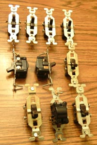 Lot of 10: GE 3 Wire Brown Toggle Switches Pic 1