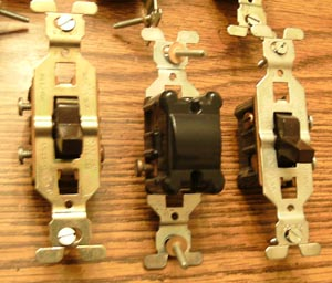 Lot of 10: GE 3 Wire Brown Toggle Switches Pic 2