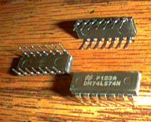Lot of 25: National Semiconductor DM74LS74N Pic 2