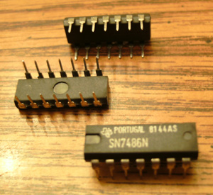 Lot of 9: Texas Instruments SN7486N
