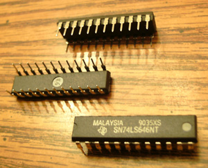 Lot of 15: Texas Instruments SN74LS646NT