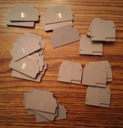 Lot of 24: Entrelec End Plates