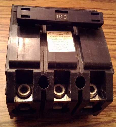 Crouse Hinds 100A 3 Pole Circuit Breaker Pic 2