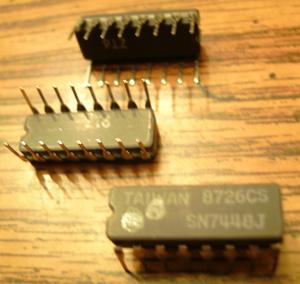 Lot of 25: Texas Instruments SN7448J