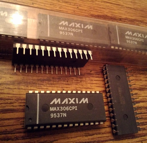 Lot of 14: Maxim MAX306CPI