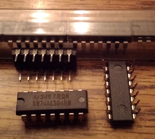 Lot of 23: Texas Instruments SN74ALS04BN