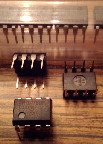 Lot of 18: Texas Instruments SN75176BP