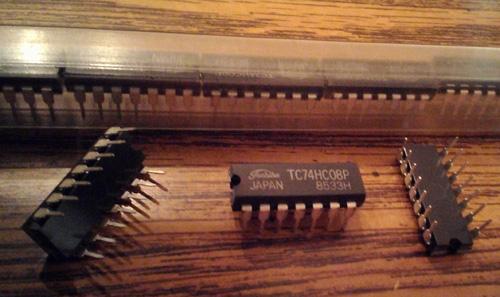 Lot of 16: Toshiba TC74HC08P