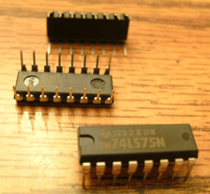 Lot of 25: Texas Instruments SN74LS75N