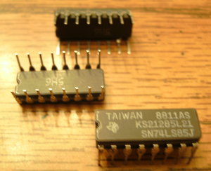 Lot of 25: Texas Instruments SN74LS85J