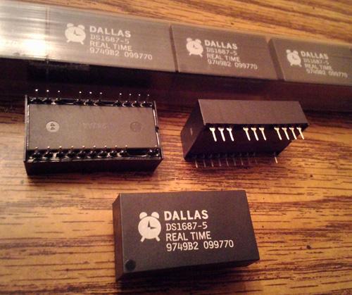 Lot of 14: Dallas DS1687-5