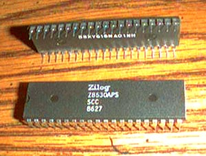 Lot of 2: Zilog Z8530APS SCC Pic 2