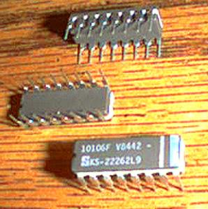 Lot of 18: Signetics 10106F KS-22262L9