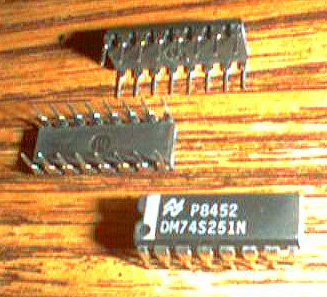Lot of 7: National Semiconductor DM74S251N Pic 2
