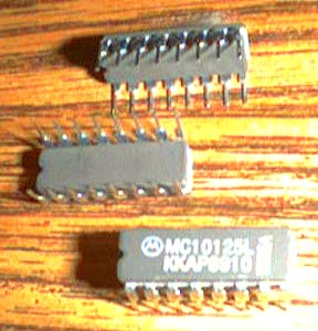 Lot of 25: Motorola MC10125L Pic 2