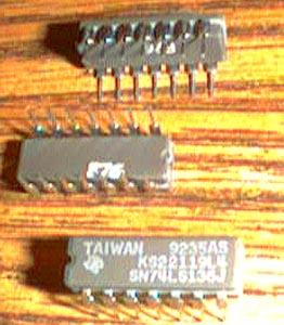 Lot of 17: Texas Instruments SN74LS136J Pic 2