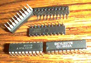 Lot of 14: Motorola SN74LS377N + Mitsubishi M74LS377P Pic 2