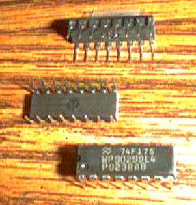 Lot of 25: National Semiconductor 74F175 Pic 2