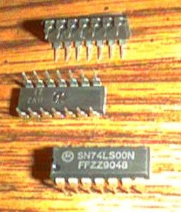 Lot of 25: Motorola SN74LS00N Pic 2