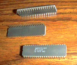 Lot of 4: AMD AM9517A-4DC Pic 2