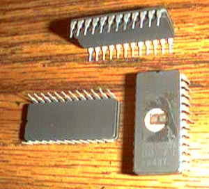 Lot of 10: SGS M2732A Pic 2