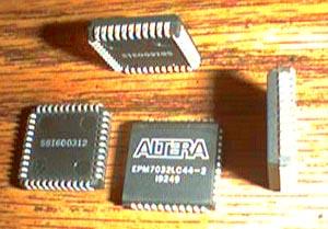 Lot of 9: Altera EPM7032LC44-2 Pic 2