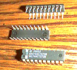 Lot of 16: National Semiconductor MM74HCT373N Pic 2