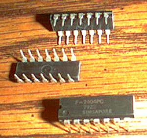Lot of 50: Fairchild 7404PC Pic 2