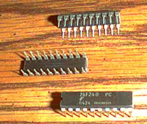 Lot of 25: Fairchild 74F240PC Pic 2