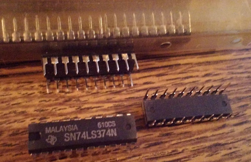 Lot of 40: Texas Instruments SN74LS374N
