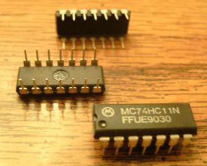 Lot of 10: Motorola MC74HC11N