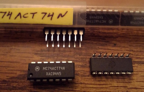 Lot of 11: Motorola MC74ACT74N