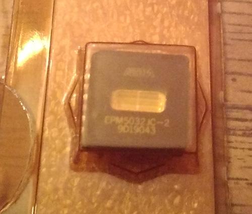 Altera EPM5032JC-2