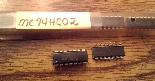 Lot of 9: Motorola MC74HC02