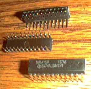 Lot of 15: Texas Instruments SN74ALS841NT Pic 2