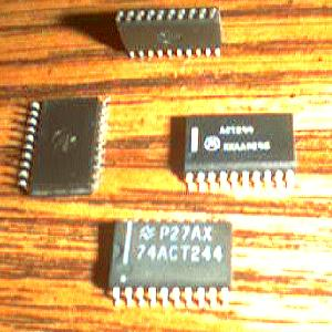 Lot of 38: Motorola ACT244 + National Semi 74ACT244 Pic 2