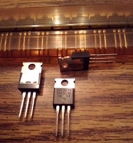 Lot of 18: International Rectifier IRF9520