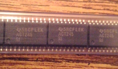 Lot of 25: Texas Instruments SN74ACT245DW
