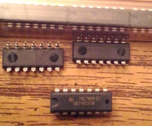 Lot of 19: Texas Instruments SN74HC03N