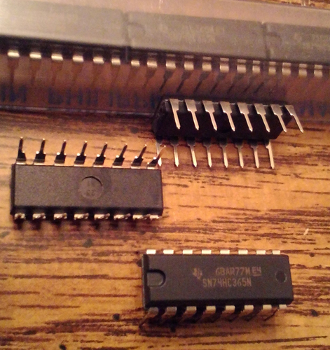 Lot of 15: Texas Instruments SN74HC365N