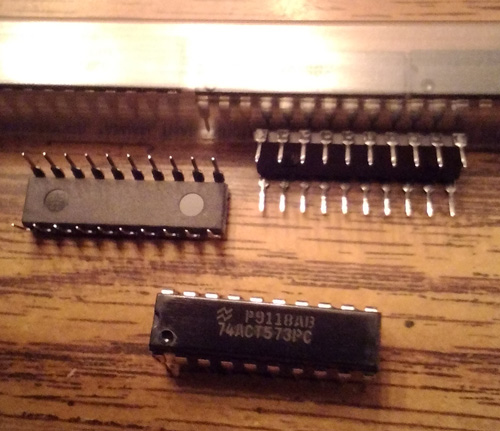 Lot of 71: National Semiconductor 74ACT573PC
